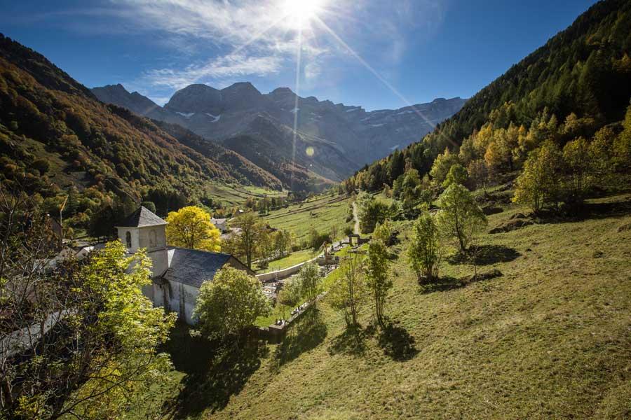 Gavarnie depuis l'Eglise Hautes Pyrénées 65