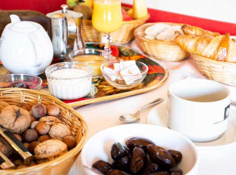 Le petit-dejeuner à l'Hôtel de la Gare Pierrefitte-Nestalas entre Argeles-Gazost et Cauterets