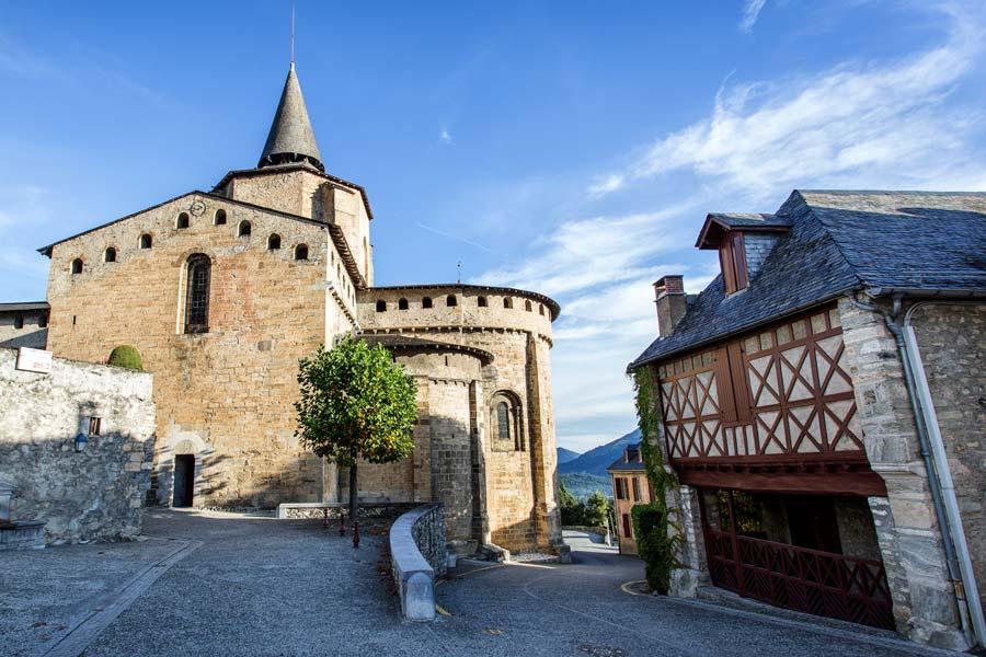 Saint-Savin Village des Hautes-Pyrénées