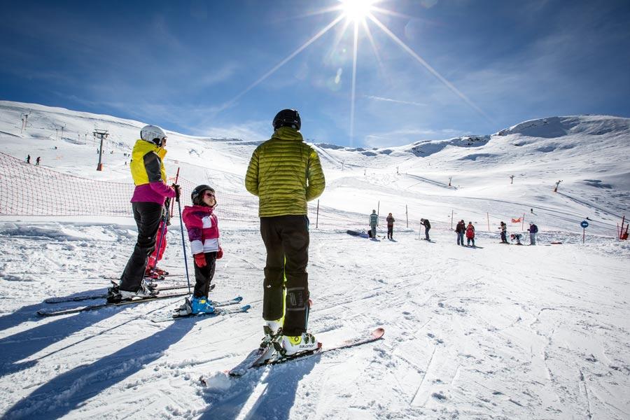 Ski en famille à Hautacam Hautes-Pyrénées